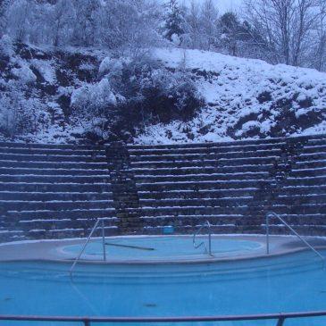 Bains fermés. Rendez vous sur notre Facebook des bains de St Thomas pour des vidéos et photos du site qui se repose……