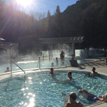 Les bains sont ouverts de 10h à 19h40 et l'accés se fait sans aucun problème  depuis Perpignan et la plaine du Roussillon!!!!!