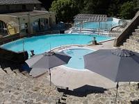 Bains ouverts tous les jours de 10h à 20h40. L'espace «bien être» reste pour l'instant fermé. Possibilité de soins et de massages….